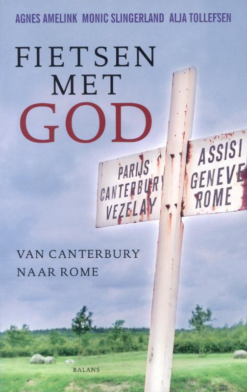 Drie nederlandse vrouwen, gereformeerd, rooms katholiek en anglicaans, stappen op een zondag in augustus in ...